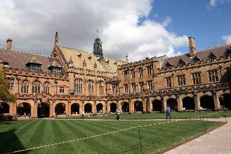 南澳大学一年生活费是多少?