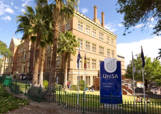 新南威尔士大学法学院课程对英语能力要求有所调整