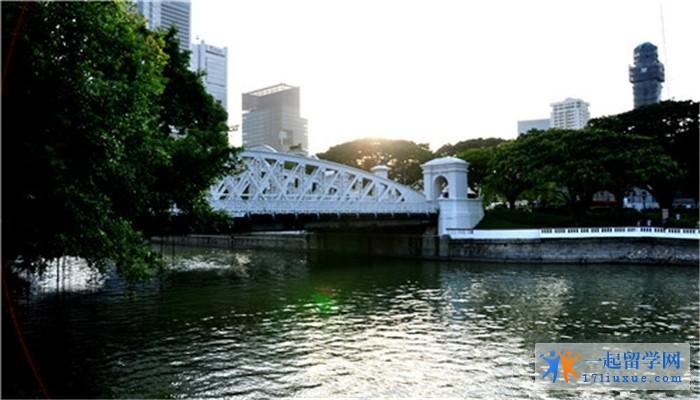 新加坡百汇护理学院就读怎么样?好吗?