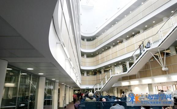 诺丁汉特伦特大学