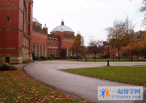 英国阿斯顿大学留学花费大不大