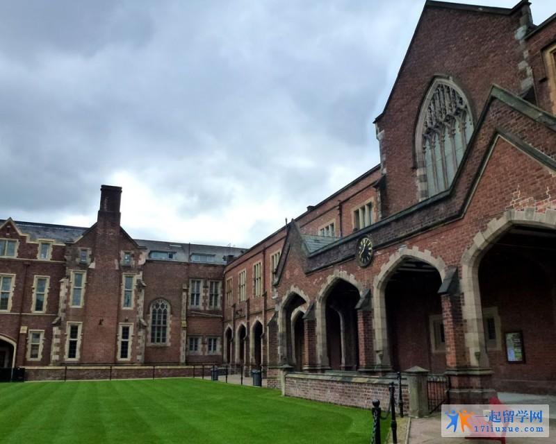 贝尔法斯特女王大学 (2)