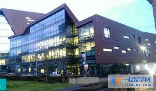 普利茅斯圣马可与圣约翰大学学院研究生学费是多少?