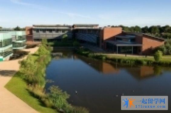 艾芝西尔大学地理位置,专业设置及荣誉详解