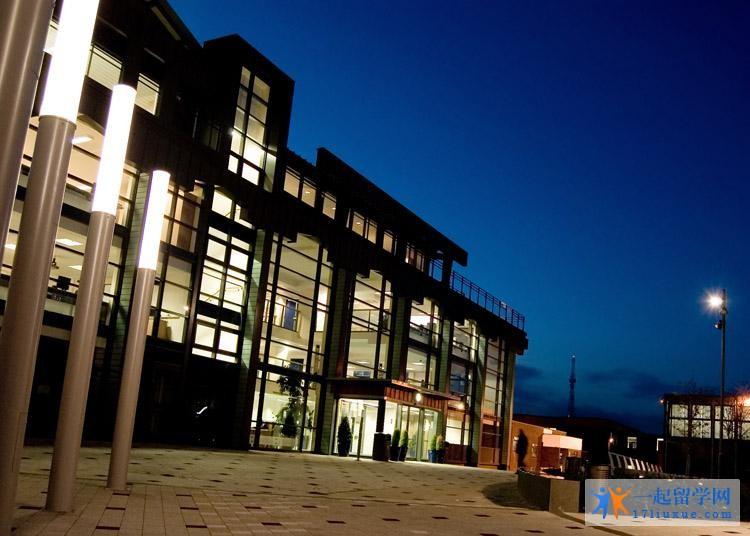 波尔顿大学地理位置,专业设置及荣誉详解