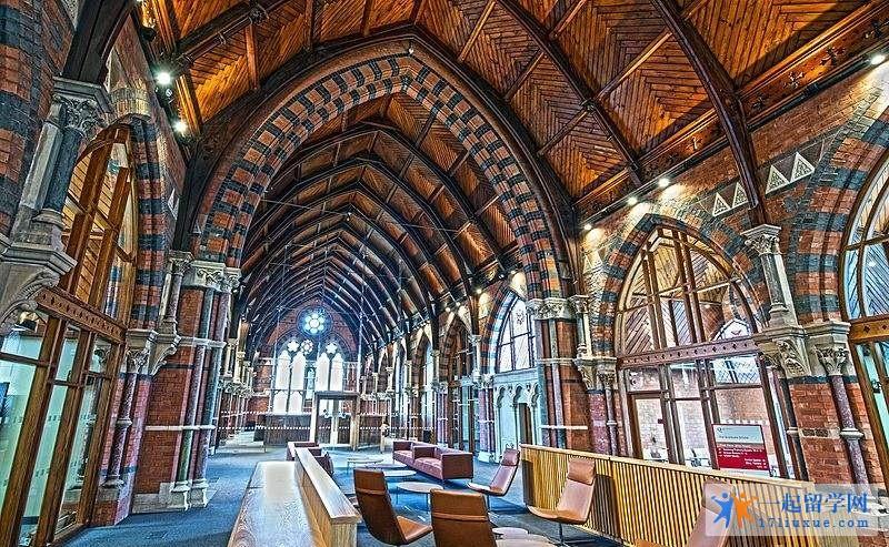 贝尔法斯特女王大学地理位置,专业设置及荣誉详解
