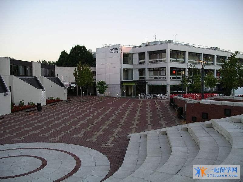 华威大学地理位置,专业设置及荣誉详解