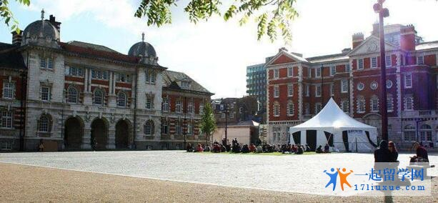 英国伦敦艺术大学国际留学生比例及毕业率介绍