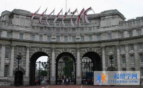 英国阿伯泰邓迪大学院校规模及大学成就解析