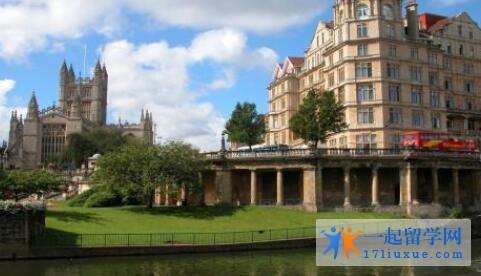 英国伦敦城市大学本科申请条件及学费信息简述