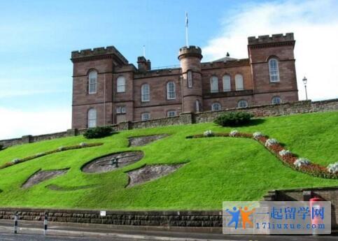 英国西苏格兰大学中国留学生多吗?