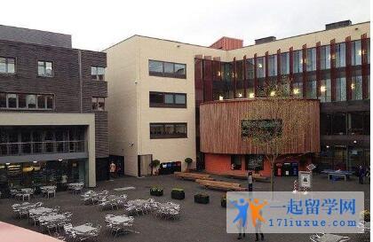 英国安格利亚鲁斯金大学院校机构及教学环境解析