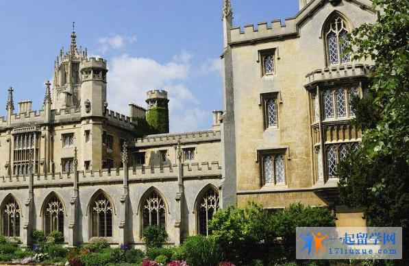 普利茅斯圣马可与圣约翰大学学院地理位置优势及学生生活信息介绍