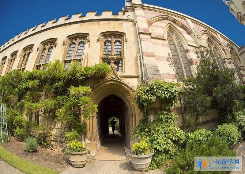 留学英国:赫特福德大学学习攻略,你值得拥有