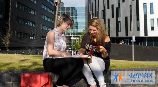 留学英国:爱丁堡龙比亚大学院校特色及学术优势解析