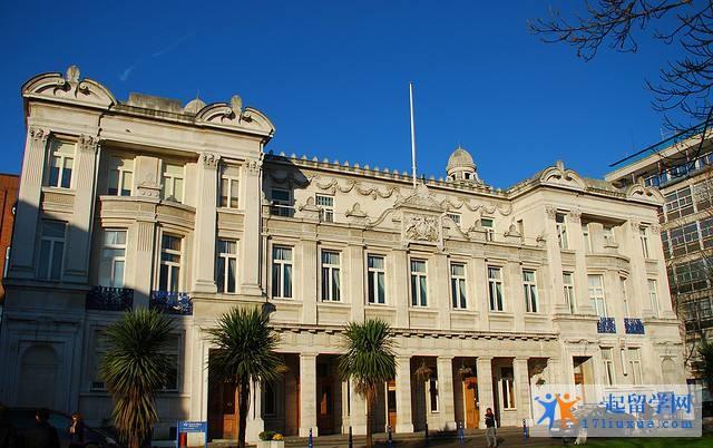 留学英国:2018年伦敦大学玛丽皇后学院授课型硕士及硕士预科录取要求汇总