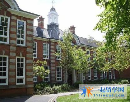 英国南安普顿大学语言班学费是多少?