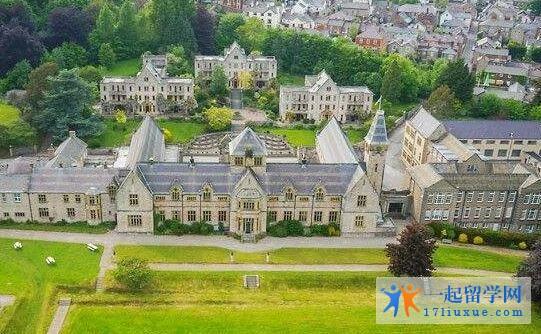 英国伦敦大学亚非学院语言班在哪个城市?