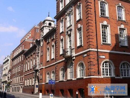 英国伦敦城市大学语言班位于哪个城市?
