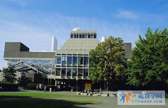 2018年新英格兰大学1年学费和生活费是多少?
