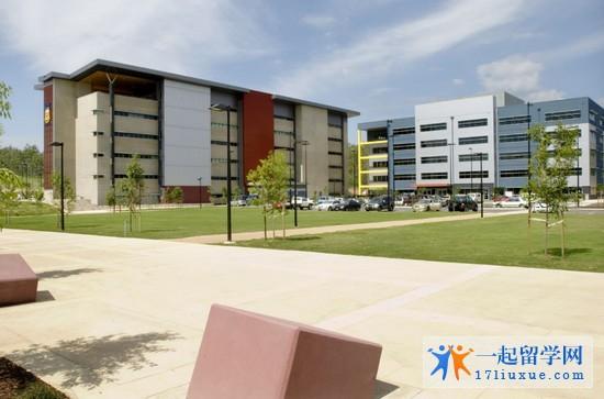 2018南昆士兰大学1年学费和生活费是多少?