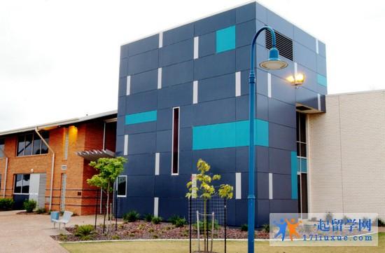 2018-2019年南昆士兰大学本科学费是多少?研究生学费是多少?