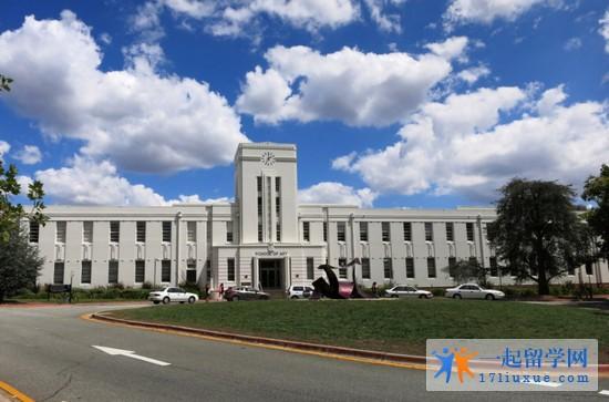 2018年堪培拉大学本科入学要求是什么?
