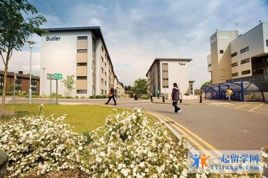 2018年皇家霍洛威学院留学费用介绍