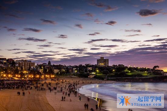 留学澳洲八大名校学费+生活费清单