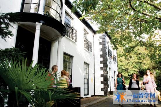 2018年法尔茅斯大学学院专业设置及申请条件详细介绍