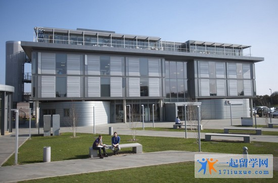 2018年伯恩茅斯大学一年学费和生活费详细介绍