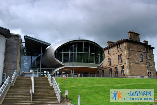 2018年爱丁堡龙比亚大学一年学费和生活费详细介绍