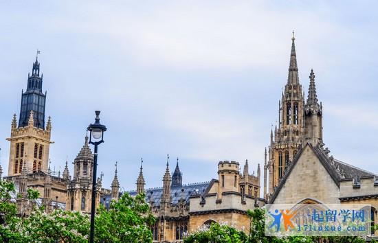 英国会计专业开设哪些课程