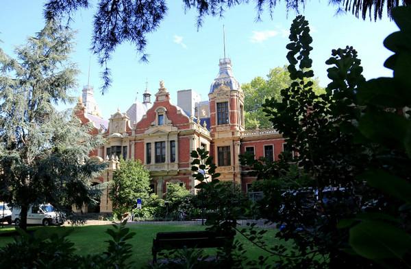 一起留学网是维多利亚大学的一级代理机构吗