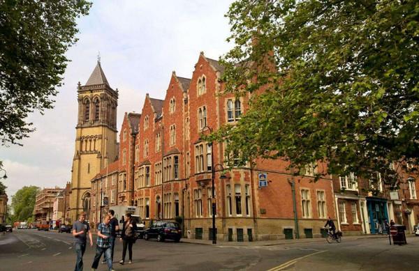 英国热门学校—杜伦大学