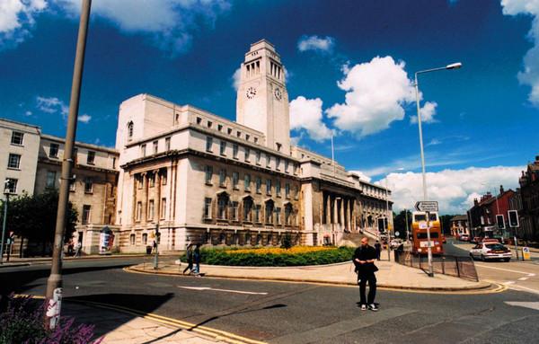 英国热门学校—利兹大学