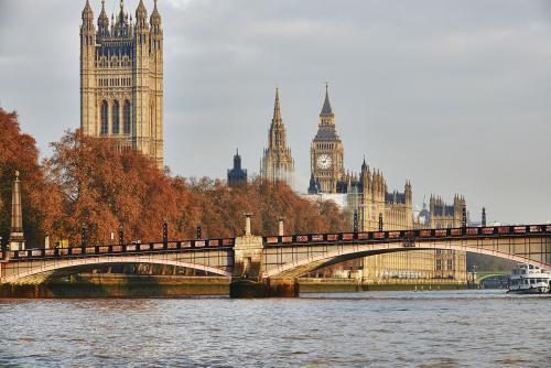 英国曼彻斯特大学的申请要求及材料