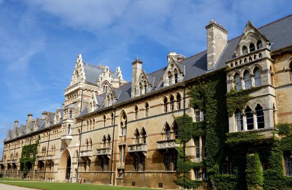 英国留学问答集合:汉语言文学专业均分82.7如何申请格拉斯哥大学的教育专业