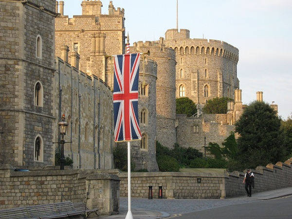 伦敦大学玛丽女王学院入学条件及学费介绍、院系设置、校园设施