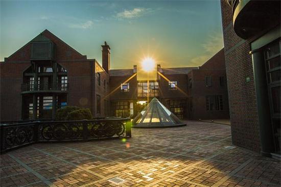 纽卡斯尔大学商科经济专业研究生申请条件|学费|世界排名|雅思要求