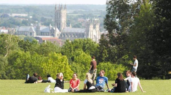 布里斯托大学生命科学学院一年生活费是多少?