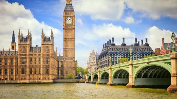 英国留学:金斯顿大学科学,工程和计算机奖学金及申请攻略解析