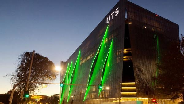 悉尼科技大学本科和硕士课程学费信息