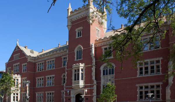 南澳大学本科和硕士课程学费信息