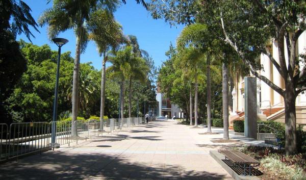昆士兰科技大学本科文凭课程申请指南